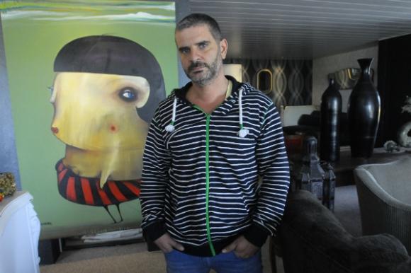 Gastón Izaguirre llegó con su obra a Seúl en diciembre.
