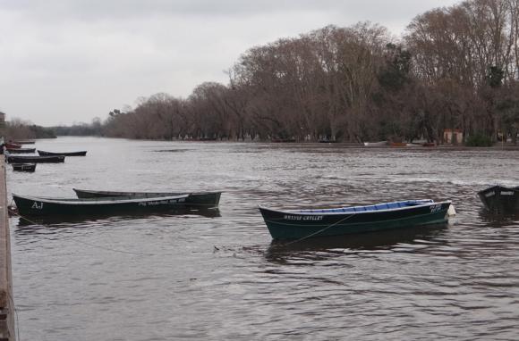 Así creció el río San Salvador a la altura de Dolores. Foto: Intendencia de Soriano