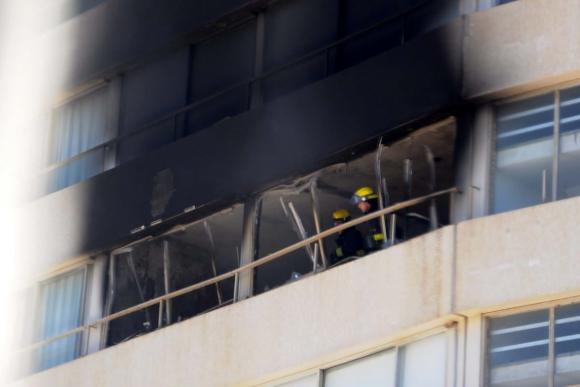 Indendio en edificio Santos Dumont en Punta del Este. Foto: Ricardo Figueredo