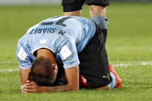 Mathías Suárez deconsolado tras la eliminación. Foto: EFE