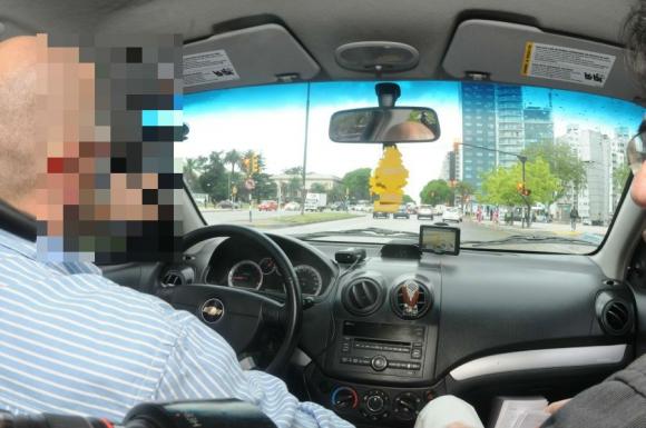 Viaje: El País pidió un móvil desde Uber y fue desde el Centro hasta Tres Cruces.