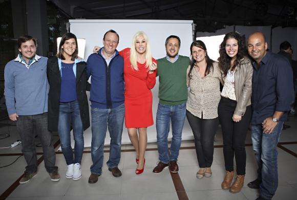 Susana junto al equipo de la agencia. (Foto: Gentileza Notable)