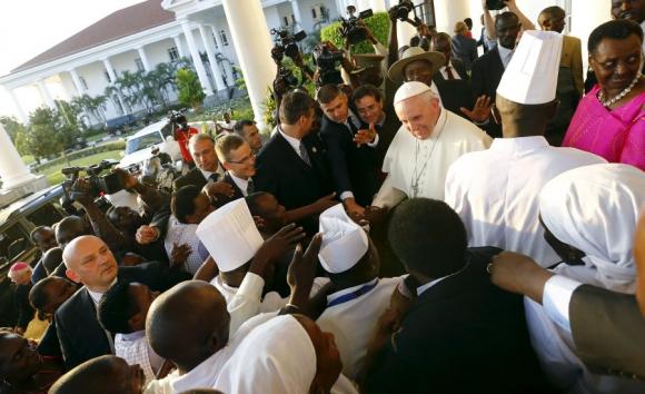 El Papa Francisco al arribar a Uganda. Foto: AFP.