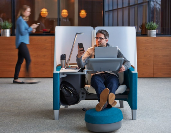 Brody. La superficie de trabajo se inclina y se adapta a los trabajadores. Foto: Steelcase.