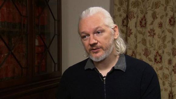 Según abogado del fundador de Wikileaks, Assange seguirá cooperando con la Justicia.