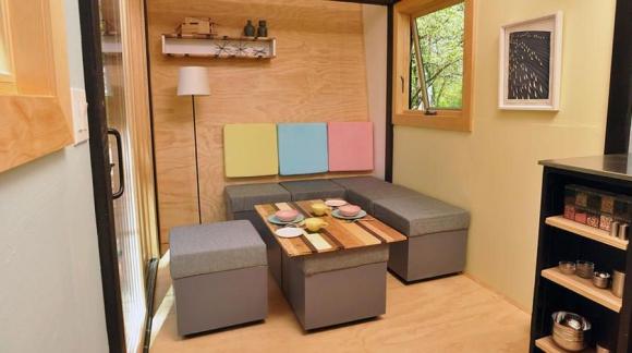 Está elaborada con una base de madera y un techo termoplástico. Foto: toyboxtinyhome.com
