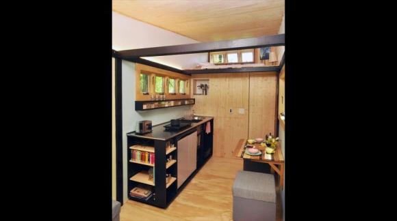 El interior está dividido en dos zonas. Foto: toyboxtinyhome.com