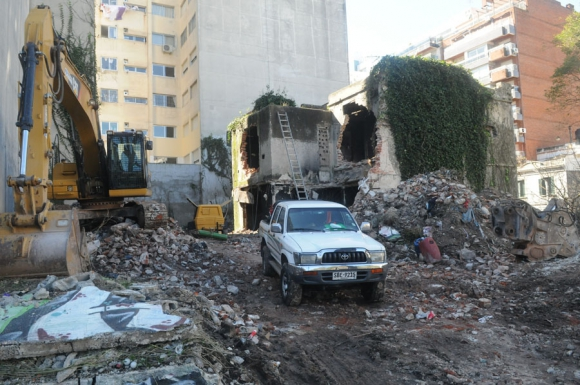 Demolición casas ocupadas de Villa Biarritz. Foto. F. Flores