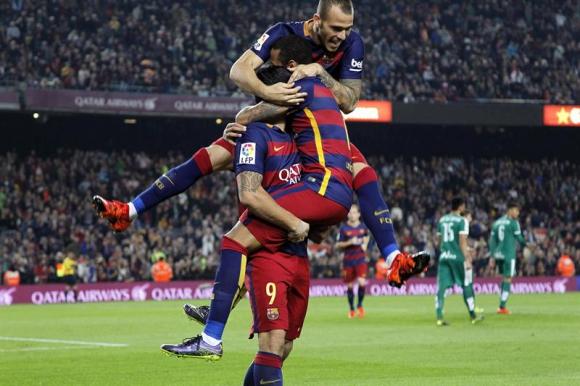 Luis Suárez festeja su gol para Barcelona. Foto: EFE