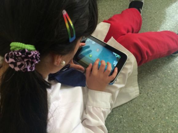 Niños de 10 años de la escuela N° 65 jugaron al Dragon Box y resolvieron ecuaciones