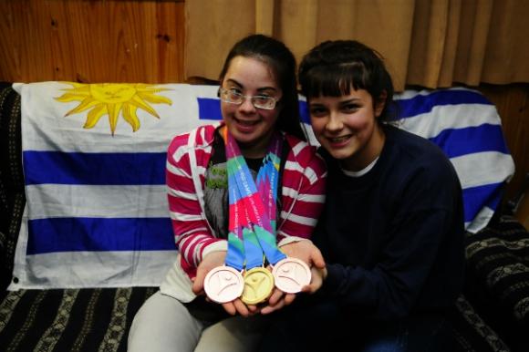 Leticia Alejo y su hermana Agustina, gran hincha y