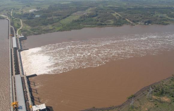 Represa de Salto Grande. Foto: Archivo El País