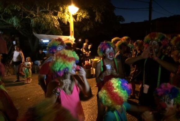 La fiesta es a todas horas en La Pedrera. Foto: Andrés López Reilly