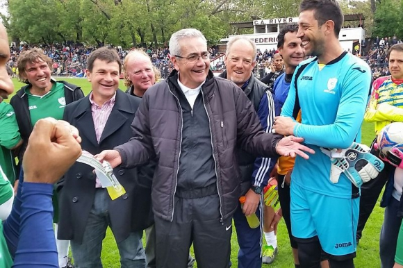 Gregorio Pérez, Jorge Giordano y Jorge Bava se encuentran presentes en el beneficio. Foto: A. Colmegna