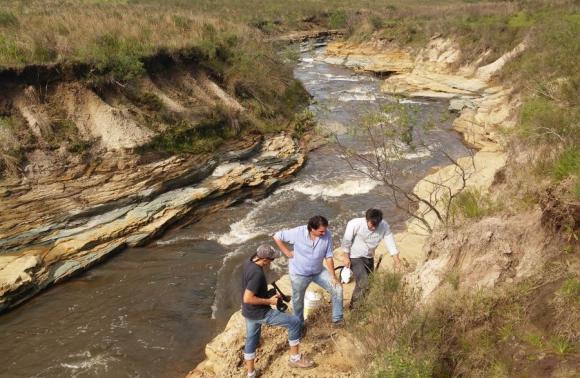 Hay huellas de que en la prehistoria corría un río que concentraba a los animales. Foto: N. Araújo.