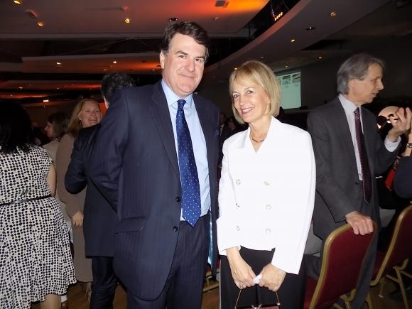 Embajador de Reino Unido Ben Lyster Binns, Verónica Peinado.