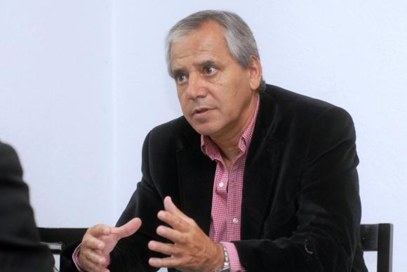 José Fuentes se bajó de la candidatura por la presidencia