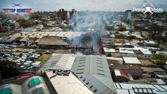 Incendio en automotora. Foto: TopQuad