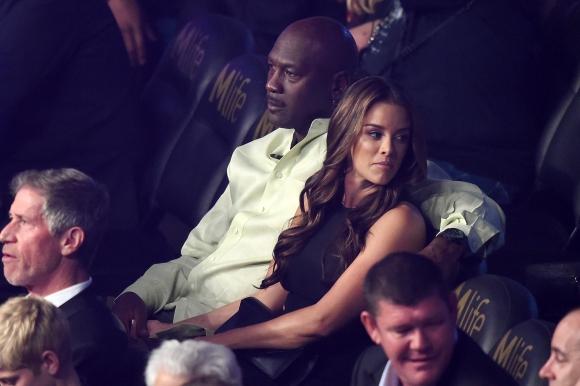 El múltiple campéon de la NBA, Michael Jordan, asistió con su esposa Ivette Prieto. Foto: AFP