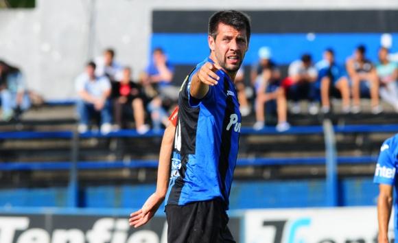 Veterano. Paulo Pezzolano, de 32 años, será una de las bajas negriazules en el Clausura.