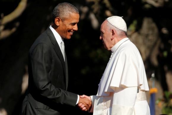 Barack Obama y el papa Francisco. Foto: Reuters.