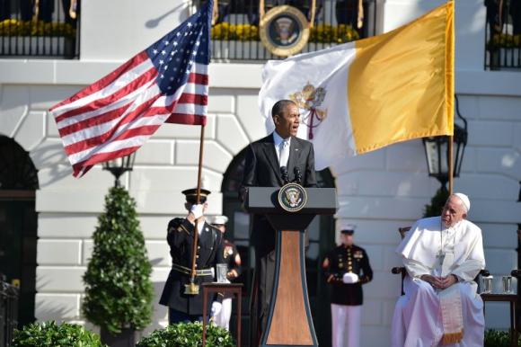 Barack Obama y el papa Francisco. Foto: AFP.
