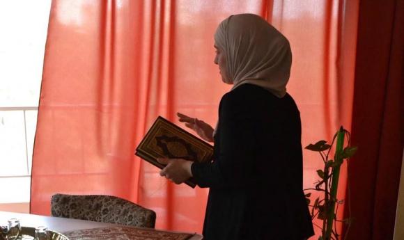 El código de vestimenta islamico es respetado por las uruguayas, pese a las críticas.