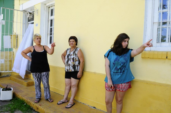 Una de las 10 casas del complejo que a poco de ser arreglada comenzó a fisurarse. Foto: M. Bonjour