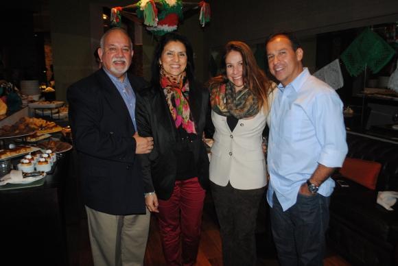 Ricardo Trujillo, Zoraida Vela, Fernanda Lapietra, Óscar Reyes.