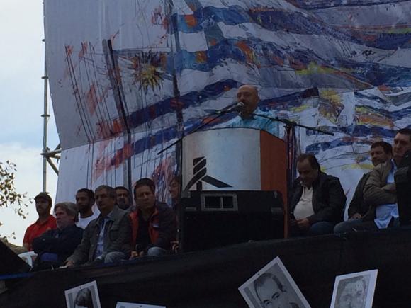 Marcelo Abdala durante el dicurso del 1° de mayo. Foto: Florencia Barré.
