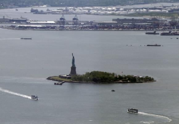 El observatorio del WTC y una gran vista de la Estatua de la Libertad. Foto. EFE