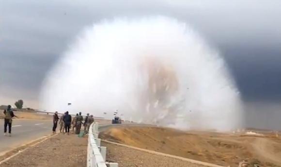 Explosión de coche bomba en Irak. Foto: Captura de pantalla