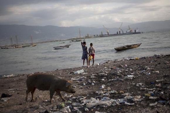 La costa de Haití tras el paso de Erika. Foto: Reuters.