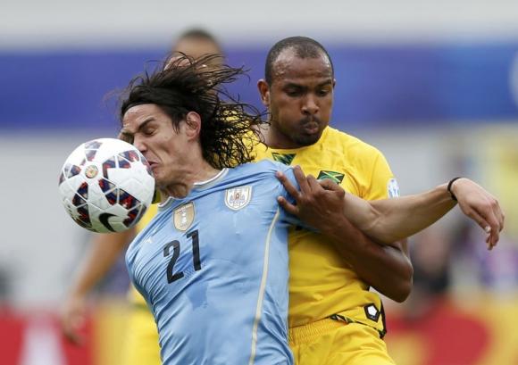 Cavani estuvo impreciso como el resto del equipo. Foto: Reuters