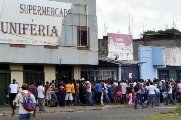 La falta de alimentos ha provocado la desesperación de la población. Foto: Reuters
