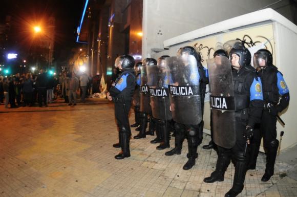 El desalojo de la sede del Codicen se hizo en la tarde del lunes. Foto: Fernando Ponzetto