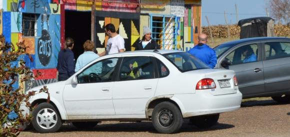 Cavani visitando a su padre en Cañitas. Foto: Daniel Rojas.