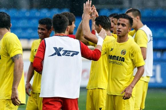 Franco Acosta festeja el triunfo con el Villarreal B. Foto: Villarreal.