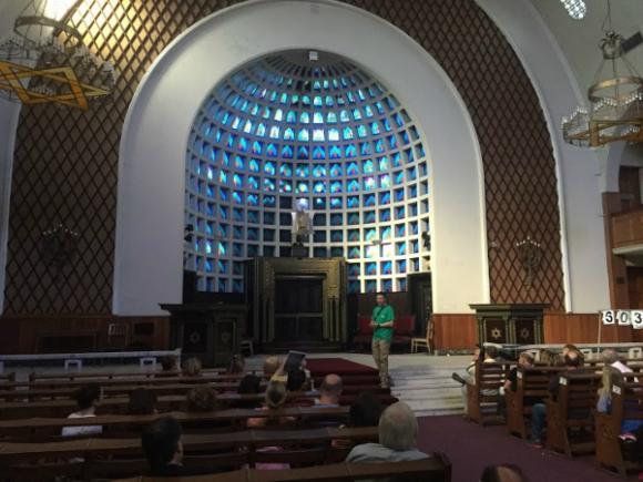 Bereshit es una propuesta de recorridos turísticos ligados a la colectividad judía en Uruguay.