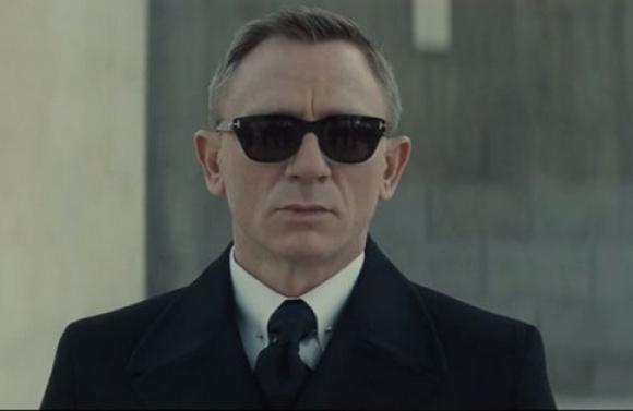 Daniel Craig en el videoclip