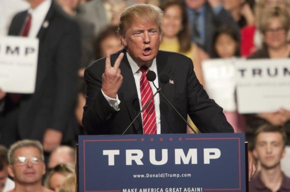 Donald Trump continúa sus críticas hacia los inmigrantes. Foto: EFE