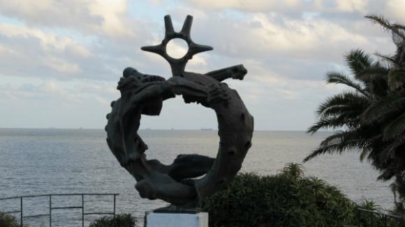 Monumento a los caídos en el mar, de Eduardo Díaz Yepes, en la Plaza Virgilio.