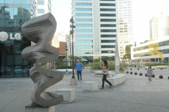El Paseo de las Esculturas, en el World Trade Center del Buceo.