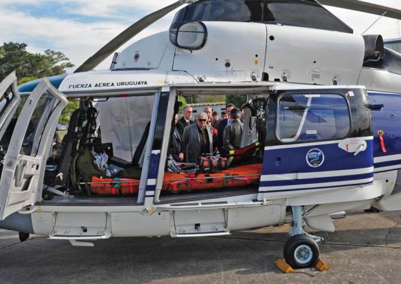 Enfermero dijo que no se usó helicóptero porque no había luz en el aeropuerto. Foto: Presidencia.