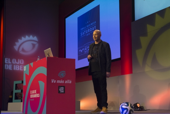 Rob Reilly. Global creative chairman de McCann durante su charla (Foto:  Aloha Photo School)