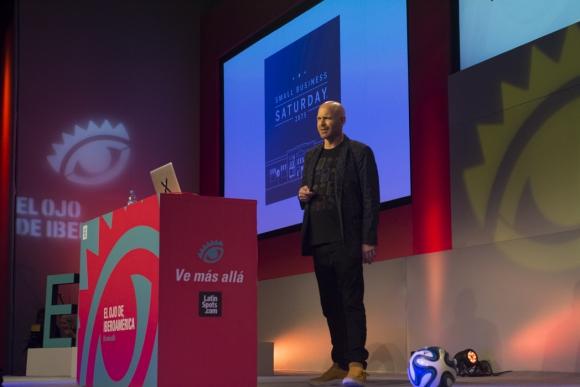 Rob Reilly. Global creative chairman de McCann durante su charla (Foto:  Aloha Photo School)