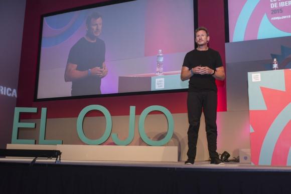 Nick Law. El Chief Creative Officer de R/GA en su charla de El Ojo de Iberoamérica (Foto:  Aloha Photo School)
