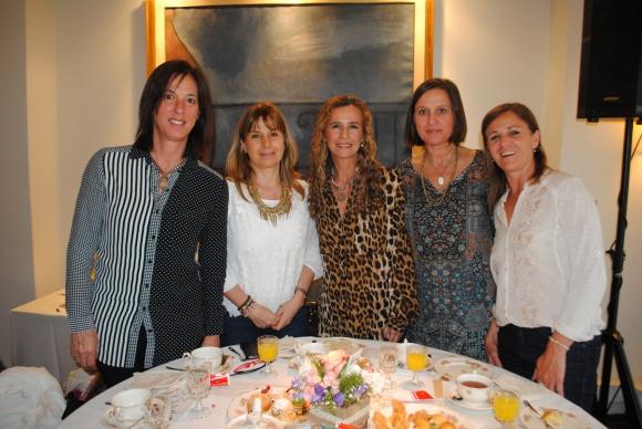 Silvina Mañé, Patricia Olivera, María Noel Achard, Isabel Maraffi,Verónica Mezzera.