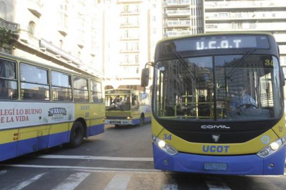 Imágenes de la marcha de la UCOT por el Centro de Montevideo. Foto: Agustín Martínez
