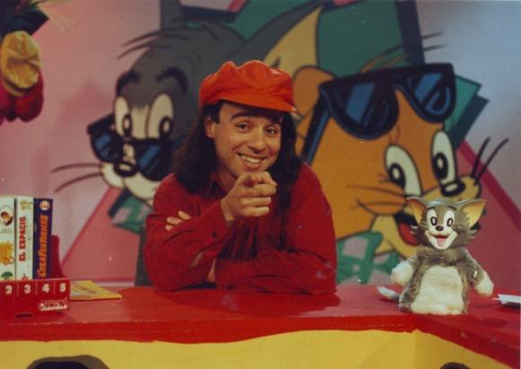 Fue conductor de Tom y Jerry de 1993 hasta 1995, en Canal 10.